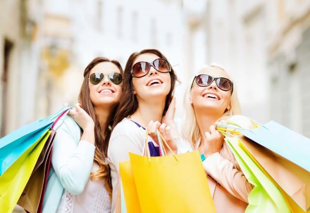 Tổng hợp mẫu câu và từ vựng tiếng Hàn hàng ngày trong chủ đề mua sắm quần áo