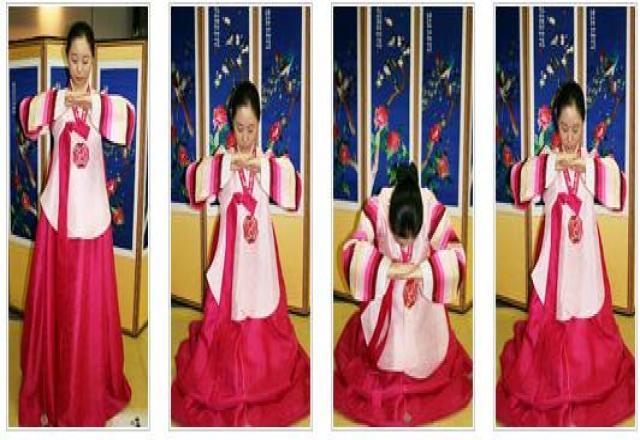 Học giao tiếp tiếng Hàn với văn hóa chào hỏi