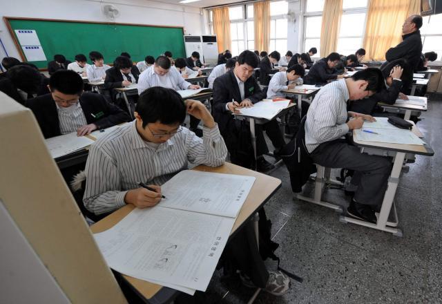 Làm thế nào thuyết phục bố mẹ cho học tiếng Hàn giao tiếp khi ở THPT ?