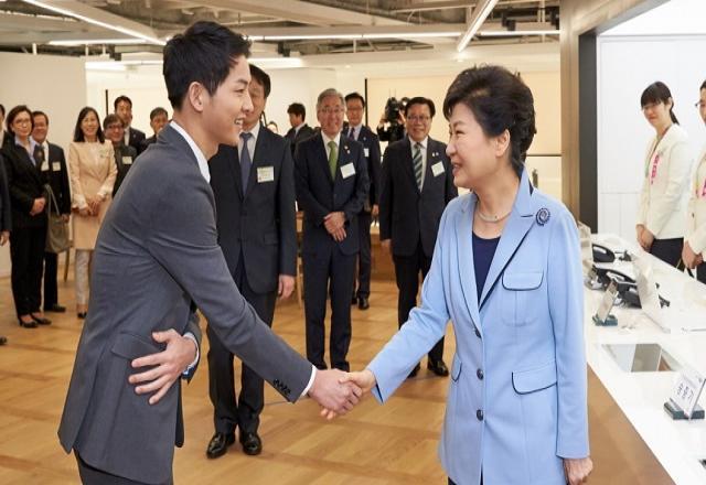 Những cách giao tiếp đầy ẩn ý của người Hàn Quốc