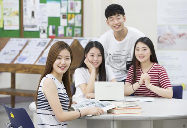Văn hóa chào hỏi của người Hàn Quốc khi mới gặp lần đầu