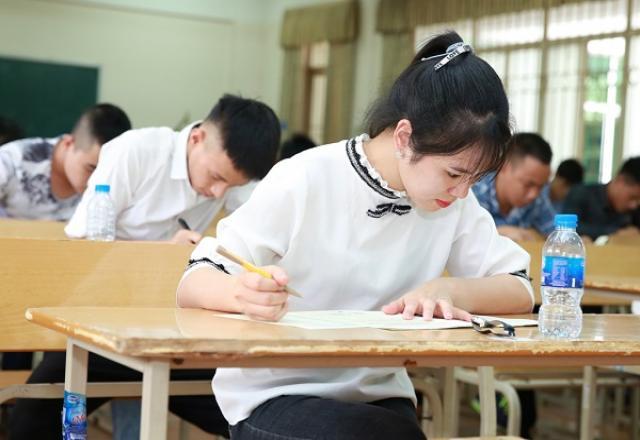 Review lớp luyện thi tiếng Hàn TOPIK 2 tại SOFL